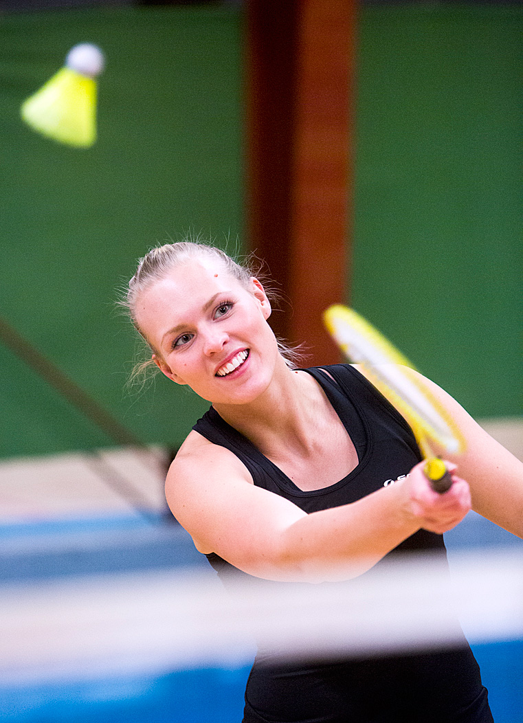 Anna_badminton_side